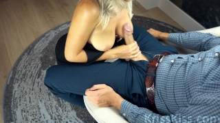 Sexy Babe Deep Suck Huge Cock! Big manuel