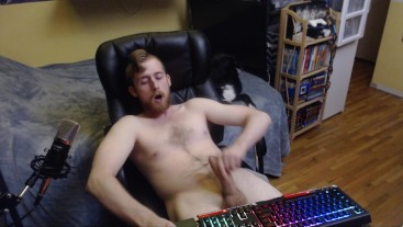 UNCUT CANADIAN BIG DICK JERK OFF AND CUM ON HAIRY CHEST