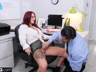 Wife Sex Cams Fucking, BANG Confessions TanA LeA finds herself an office fuck buddy Big ass