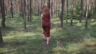 Playful Redhead Pissing in Forest and Showing her Big Boobs Maduras fucking