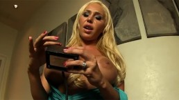 Mary Carey goes nuts on the Sybian