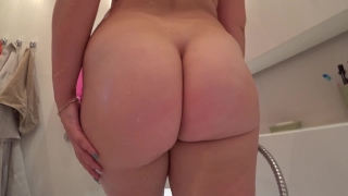 Young girl with a juicy ass fuck after a shower To cum