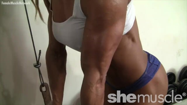 Sexy female muscle Sexy female muscle cougar works out