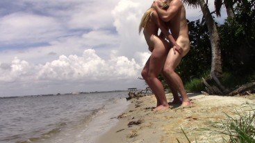 FUCK MY HORNY PRIVATES ON PRIVATE BEACH BABY -AMATEUR COUPLE CRAZYASS6