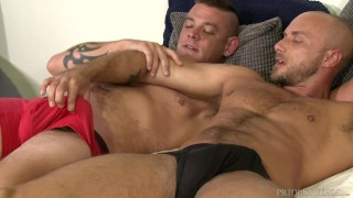 Video porno - Hairy Muscle Hunk Daddy Analized By Big Dick Best Friend