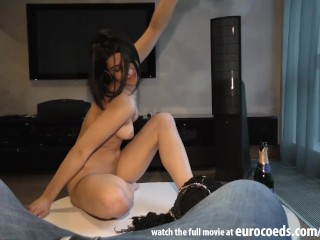Housewife fuck for cash