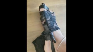 pretty ebony feet