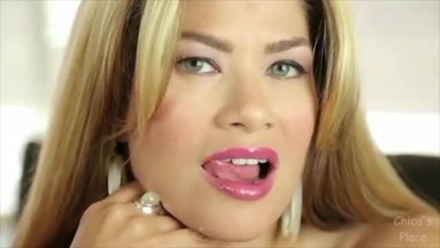 bh-kleiderbuegel-freie-ppige-lippen-latina-blowjob