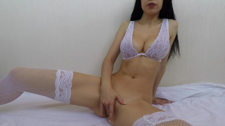 Hot girl in bride lingerie fucks herself until orgasm - Mini Diva Natural cam