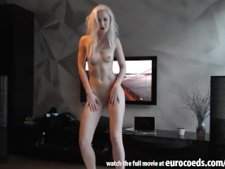 directors cut platinum blonde young strip tease show dildo hard orgasm