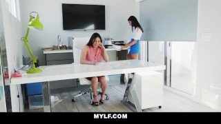 Lesbian employee mylf teen boss young mature fucks trimmed on