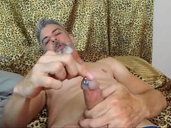 Creeping on Dad - Daddy Giant 3 - Richard Lennox - Manpuppy