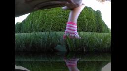 Girl pisses outdoor with her mini skirt VR 360