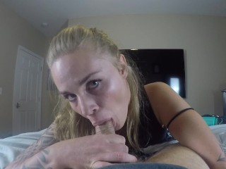 Eye contact blowjob like a pro from a blonde