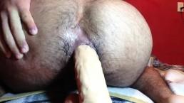 culo peludo y tragon se traga dildo de 5.5 cm de grueso