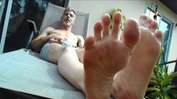 Foot Worship - Richard Lennox - Manpuppy