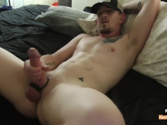 Kent Jerks It Solo With Cumshot