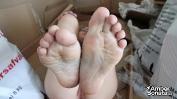 Homeless Girl Paid To Show Dirty Feet