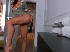 Hot Sexy Girl riding fast o my Cock