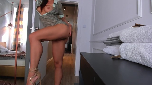 Sexy business dress Hot sexy girl riding fast o my cock