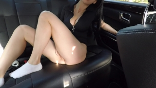 Hot girl masturbating on back seat of the car and wasn't caught - Mini Diva Blowjob anal