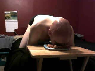 piggy messy eating 9/6/18