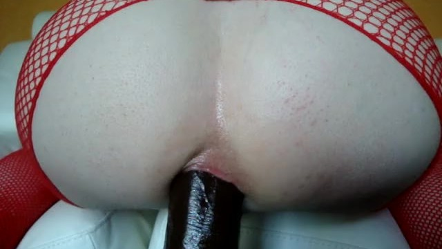Big white booty anal Massive black dildo deep in my big white booty/anal stretching