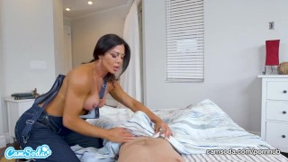 Mom rides stepson and begs for creampie Kissing girl