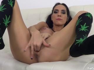 Tia Cyrus masturbating in her weed bikini fingering banging that pussy