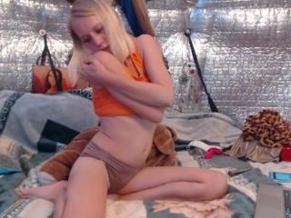 Tiny Tit Teen In Striptease