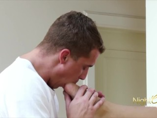 GERMAN - TEEN FOOTJOB