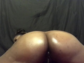 Shaking My big natural ass waiting on a load of cum