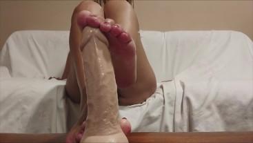 my feet on a big cock .... look at that footjob #