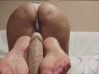 what to do for the first date? a perfect footjob like this ...