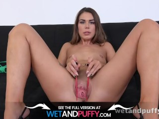 Wetandpuffy - Extreme pussy closeup play