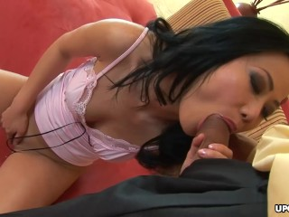 Lusty Asian girl Niya Yu services a stiff fuck stick