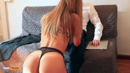 Secretaria rubia es follada por su jefe hasta el orgasmo
