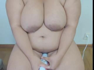 Quick Vibrator Orgasm. (Jerking off my vibrator)