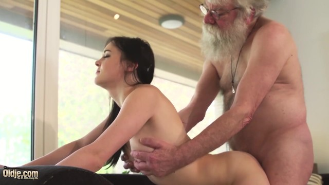 Old And Young Porn Teen Girlfriend Rides Grandpa Cock -4979