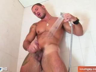 Handsome dude's shower (gym coahc seduced for gay porn)