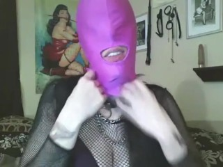 Fingering myself and moaning with gloves on (retro show)