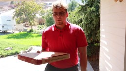 Delivery man makes teen cum