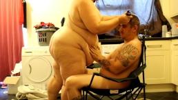 fat bbw emma cutting my hair naked