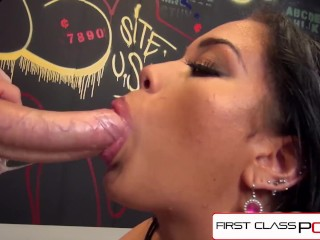 FirstClassPOV – Nia Love sucking a monster cock, big booty & big boobs