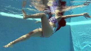 Andreina De Luxe in erotic underwatershow