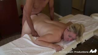 Hot massage for horny nimfo milf