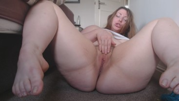 Curvy redhead fingers her asshole and cums with DOXY