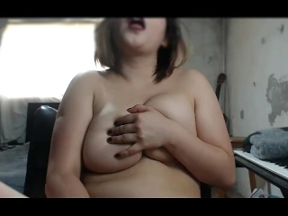 Getting nasty in front of the webcam, Love how hard she came at the end.