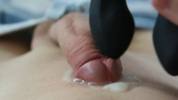 Young Boy Cum on his tummy with vibrator