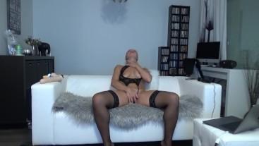 Horny little slut doing a dirty XXX cam session on BongaCams